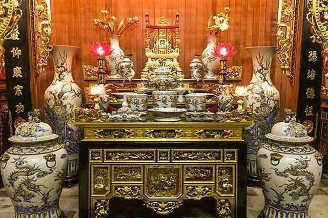 dùng bàn thờ cũ có được không