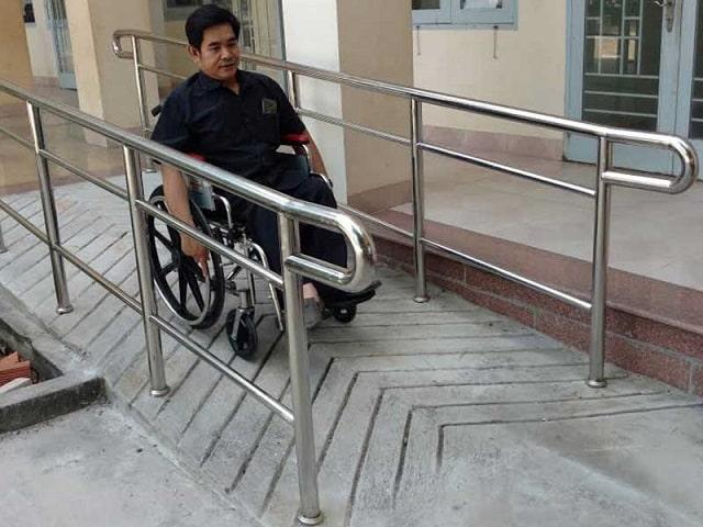 ram dốc cho người khuyết tật (1)